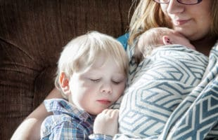 How to Cope with a Toddler Who DOESN'T like Bedtime