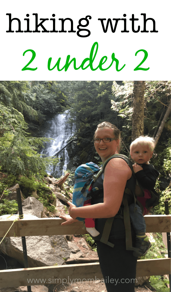 Hiking with 2 Under 2 #toddlers #hiking #outsidekids #momlife